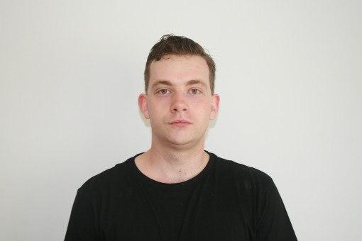 Sean polaroid head