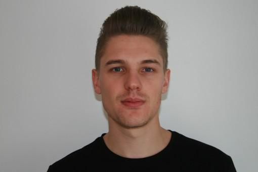 Brian polaroid head