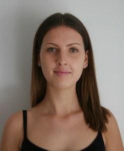 Reanna polaroid head