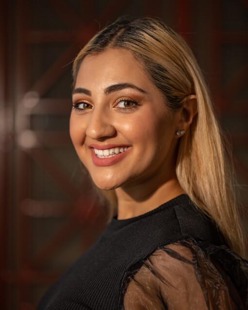 Headshot Zahra